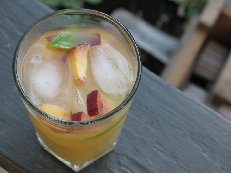 Peach sangria closeup2